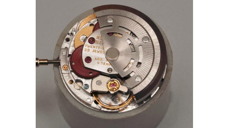 LeCoultre clock caliber 210 balance wheel jewel