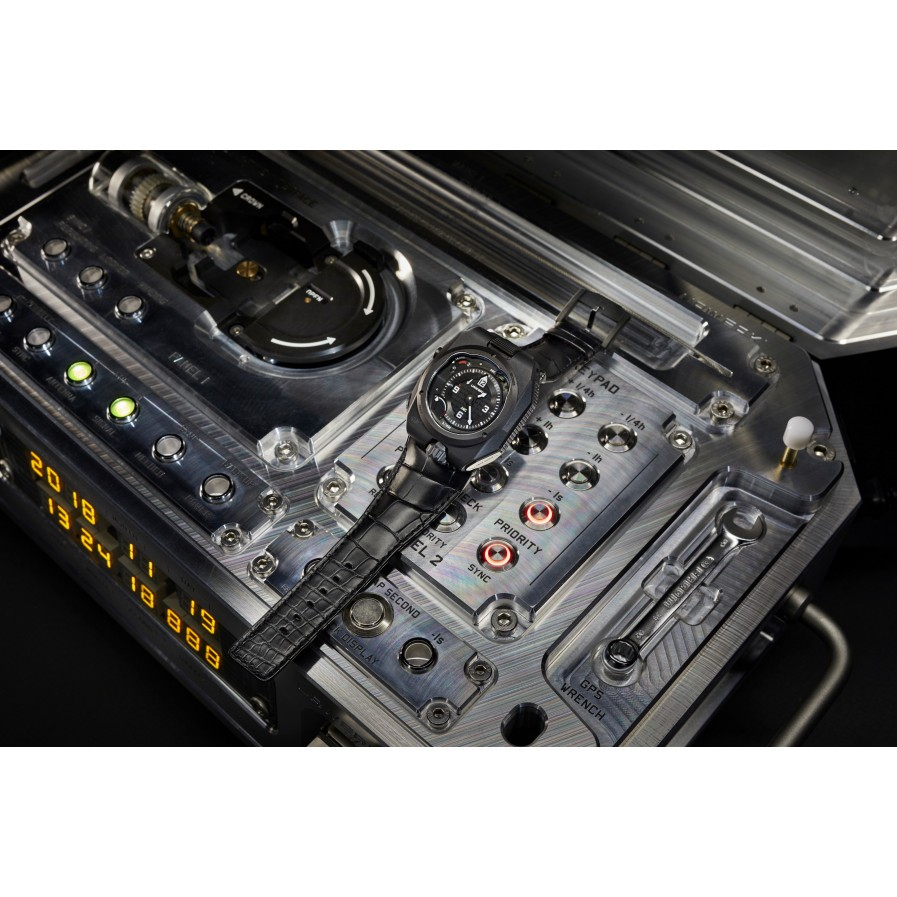 Urwerk AMC - Atomic Mechanical Control