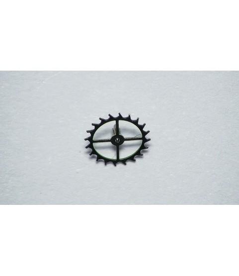 Girard-Perregaux 3100 escape wheel and pinion with straight pivots part 705
