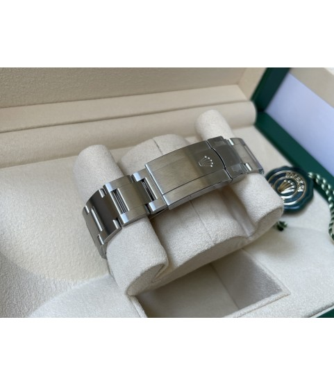 New Rolex Oyster Perpetual 126000 green dial watch 2021 36mm
